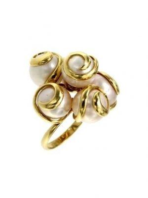 Anello con bouquet di perle
