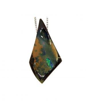 Ciondolo con punta di opale boulder
