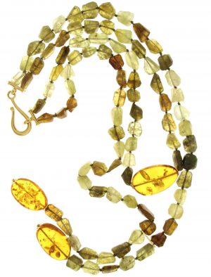 Collana con grossularia naturale ambra del mar baltico
