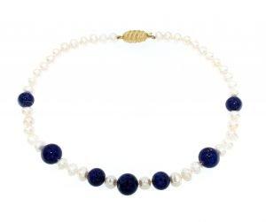 Collana con perle e lapislazzuli