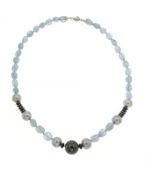 Collana di acquamarina con ematite rodiata e perle coltivate di acqua dolce