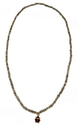 Collana di labradorite con coccinella in oro