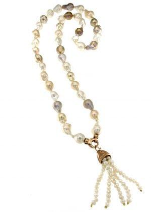 Collana di perle barocche con pendente