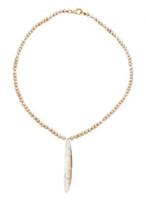 Collana di perle cipolline coltivate in acqua dolce e goccia di madreperla